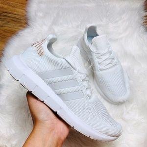 Adidas Originals Swift Run Casual Sneakers